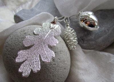 løvsmykke i sølv